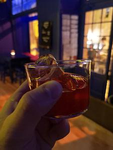 Machimbombo un excellent bar à cocktail festif dans le Bairro Alto