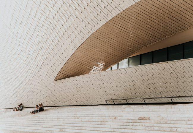 Musée contemporain MAAT à Lisbonne dans le quartier de Bélem