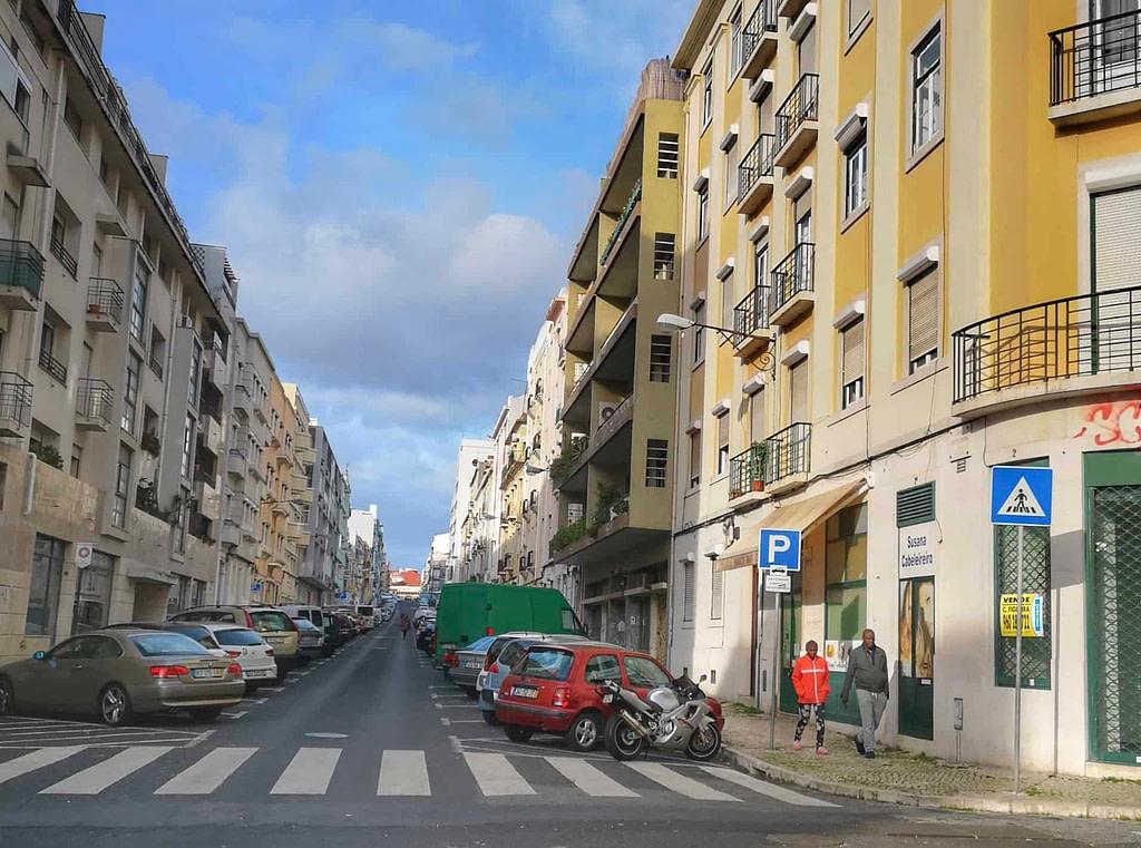 La rue où se cachait le tueur en série Diogo Alves