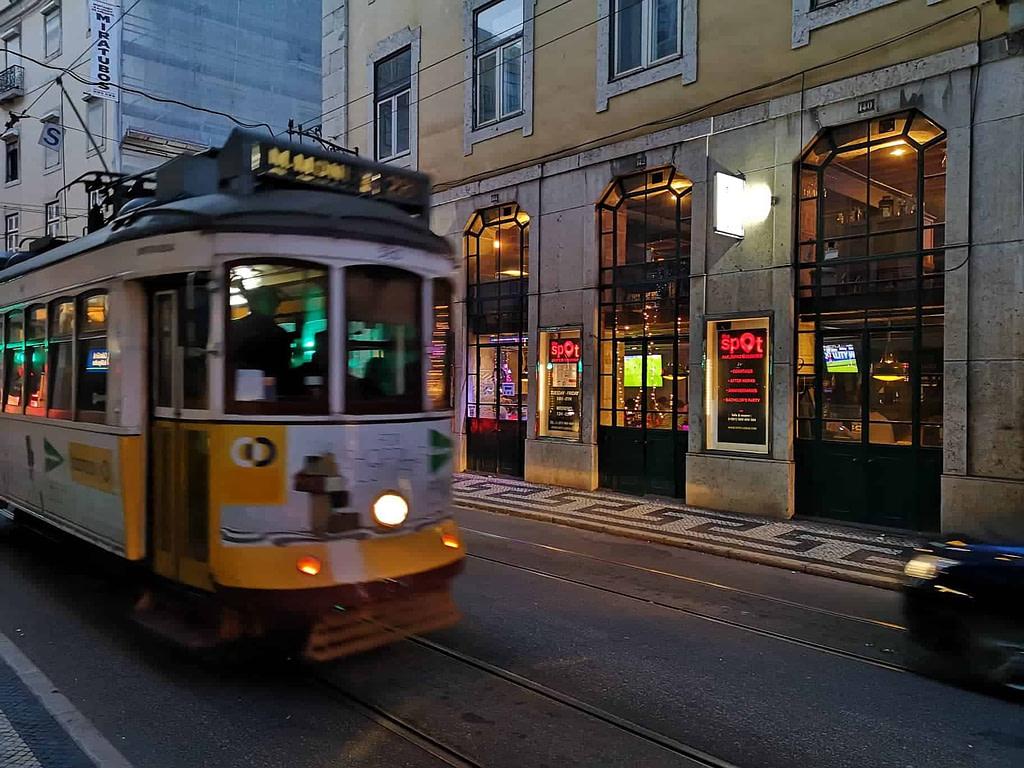 Spot Lisboa, le meilleur bar à Lisbonne pour regarder un match de foot de la ligue 1 ou champions league, du rugby top 14, 6 nations