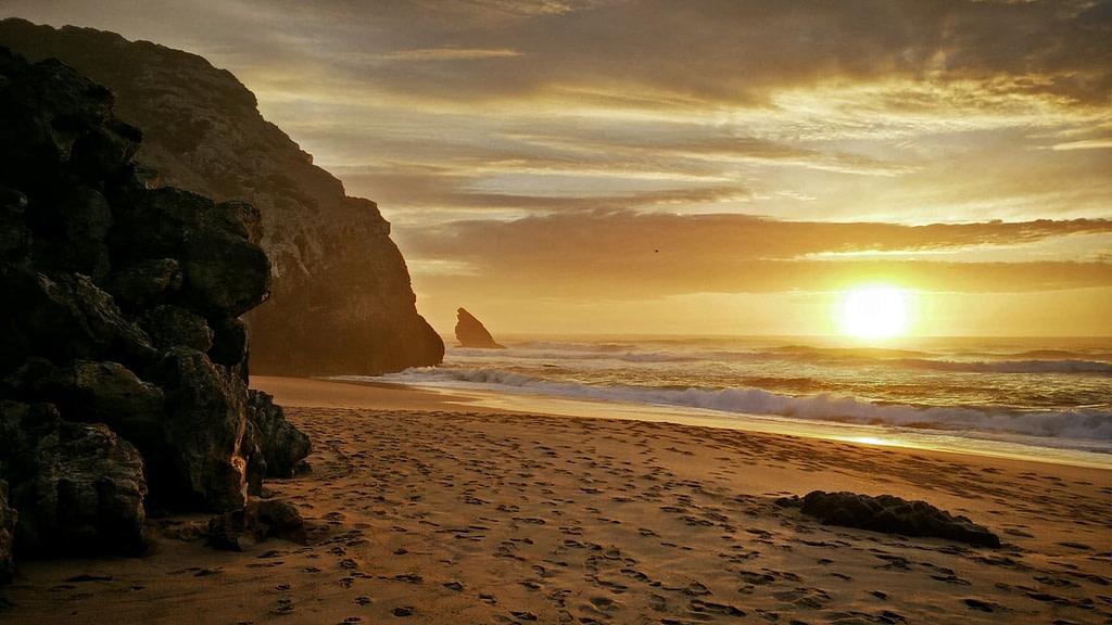 la plage da Adrage est une plage isolée appréciée des pêcheurs et des locaux