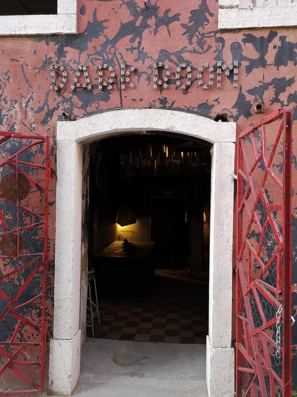 Lisbonne by night offre une scène underground assez complète et qui permet de faire la fête jusqu'au petit matin.