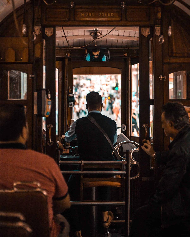 Prendre le tram 28 à Lisbonne est l'un des petits bonheurs du quotidien des habitants