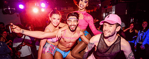 La discothèque gay Trumps est la plus grande de Lisbonne et du Portugal, située dans le quartier de Principe Real