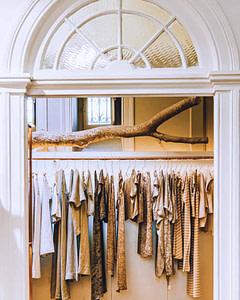 Boutique brésilienne concept store à Principe Real à Lisbonne d'objets et vêtements d'artistes et d'artisans brésilien