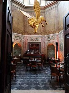 palacio chiado est le lieu ulra chic pour y passer des soirées le vendredi ou le samedi à Lisbonne avec une vaste collection de coktails