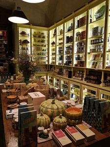 A vida Portuguesa, magasin magnifique au chiado à Lisbonne proposant des produits et souvenirs fabriqués au Portugal