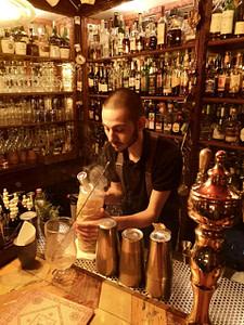 Bar cocktail Foxtrot, le plus célèbre speakeasy de Lisbonne