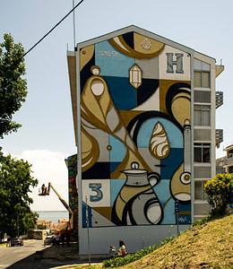Hazul, street artiste dans le quartier de Marvila à Lisbonne