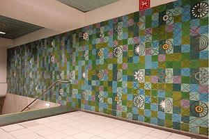 Panneau d'azujelos dans le métro Rossio réalisé par l'artiste Maria Keil