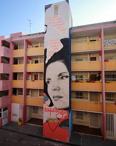 Street art à Alcantara à Lisbonne réalisé par Smile
