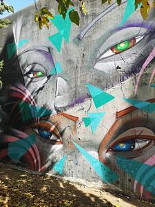 """Oeuvre de street art par Utopia, sur le mur d'Amoreiras, le célèbre """"Wall of Fame""""à Lisbonne"""