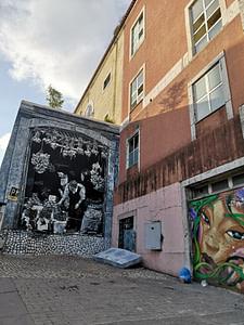 Street art de Mariana Duarte Santos dans le quartier de Sant'ana à Lisbonne