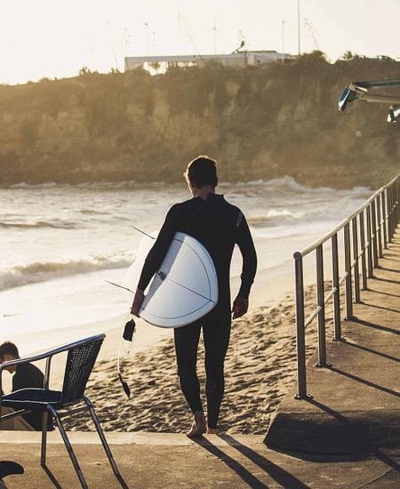 Les meilleurs spots de surf au Portugal et à Lisbonne sur Estoril, Carcavelos ou Caparica