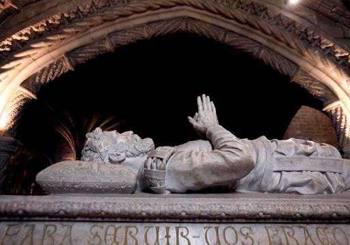 le tombeau de camoes au monastère des Hiéronymites le 10 juin jour du Portugal