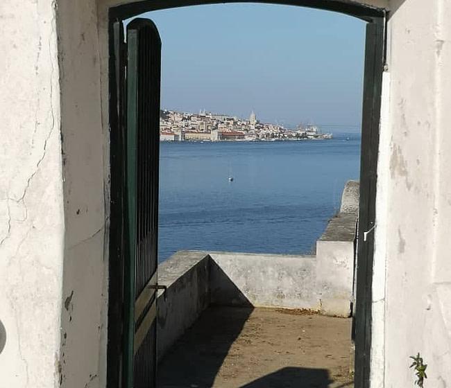 La plus belle vue de Lisbonne est depuis l'autre côté du Tage