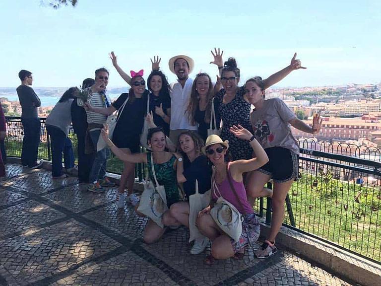 Visite privée de Lisbonne fort sympathique et festive avec notre guide Sylvain pendant un evenement EVJF