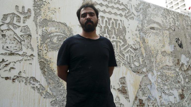 Vhils, artiste de street-art à Lisbonne mondialement connu