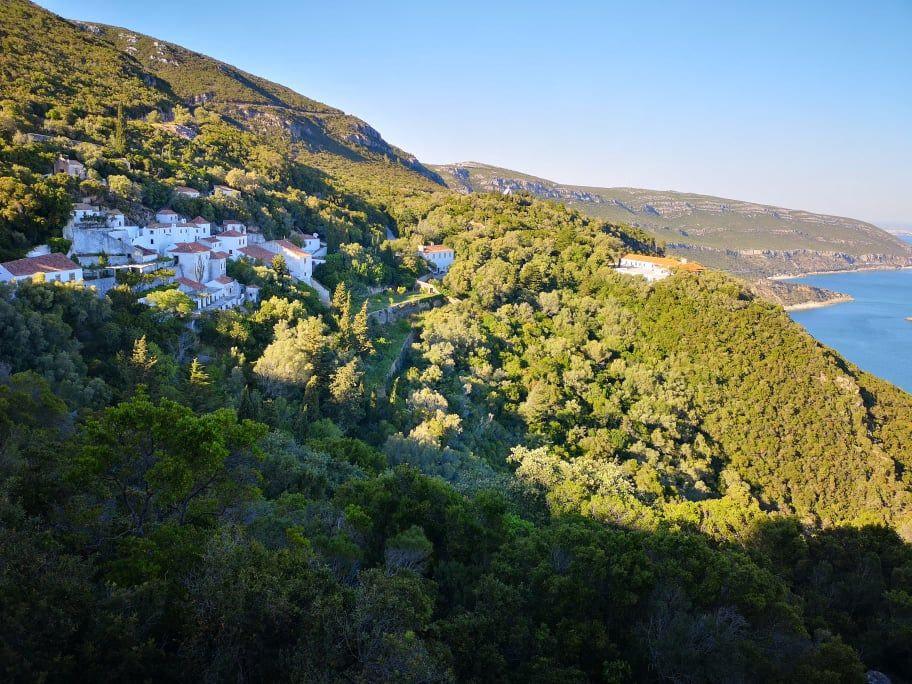 Couvent da serra da arrabida avec une vue magnifique sur l'estuaire du Sado