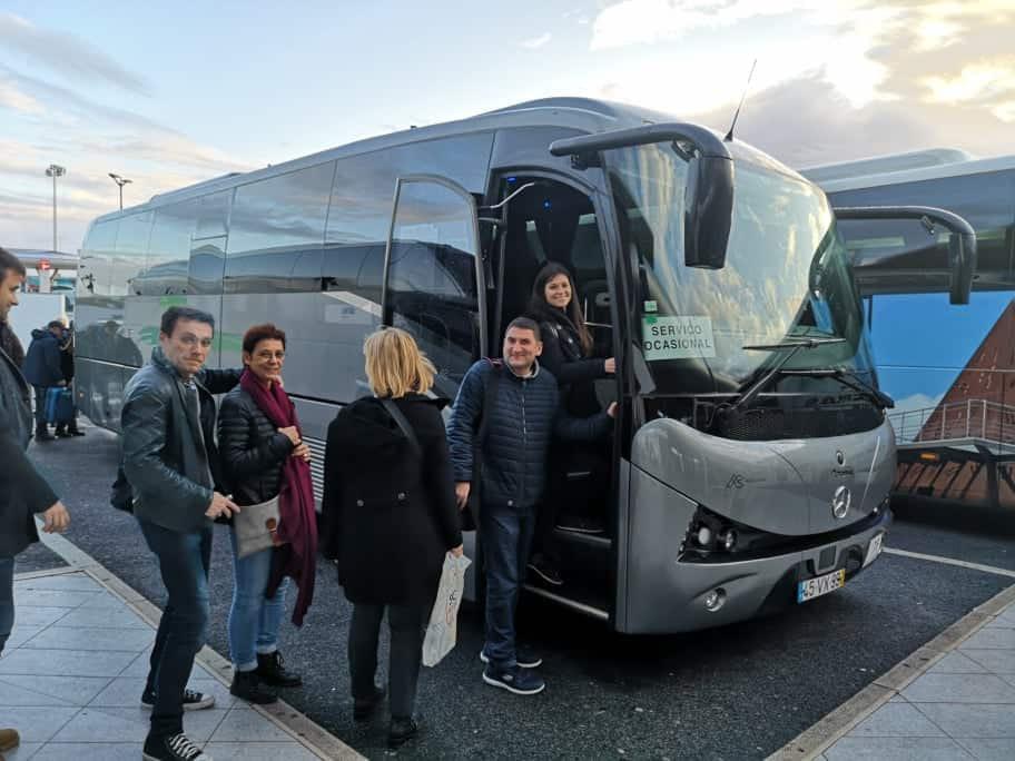 Transfert organisé entre l'aéroport et votre hôtel pour votre évènement séminaire d'entreprise et team building à Lisbonne