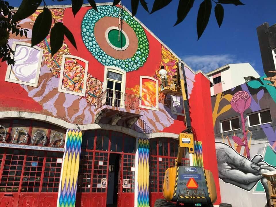 ADAO est une association artistique et culturelle qui fait partie du Lisbonne underground.