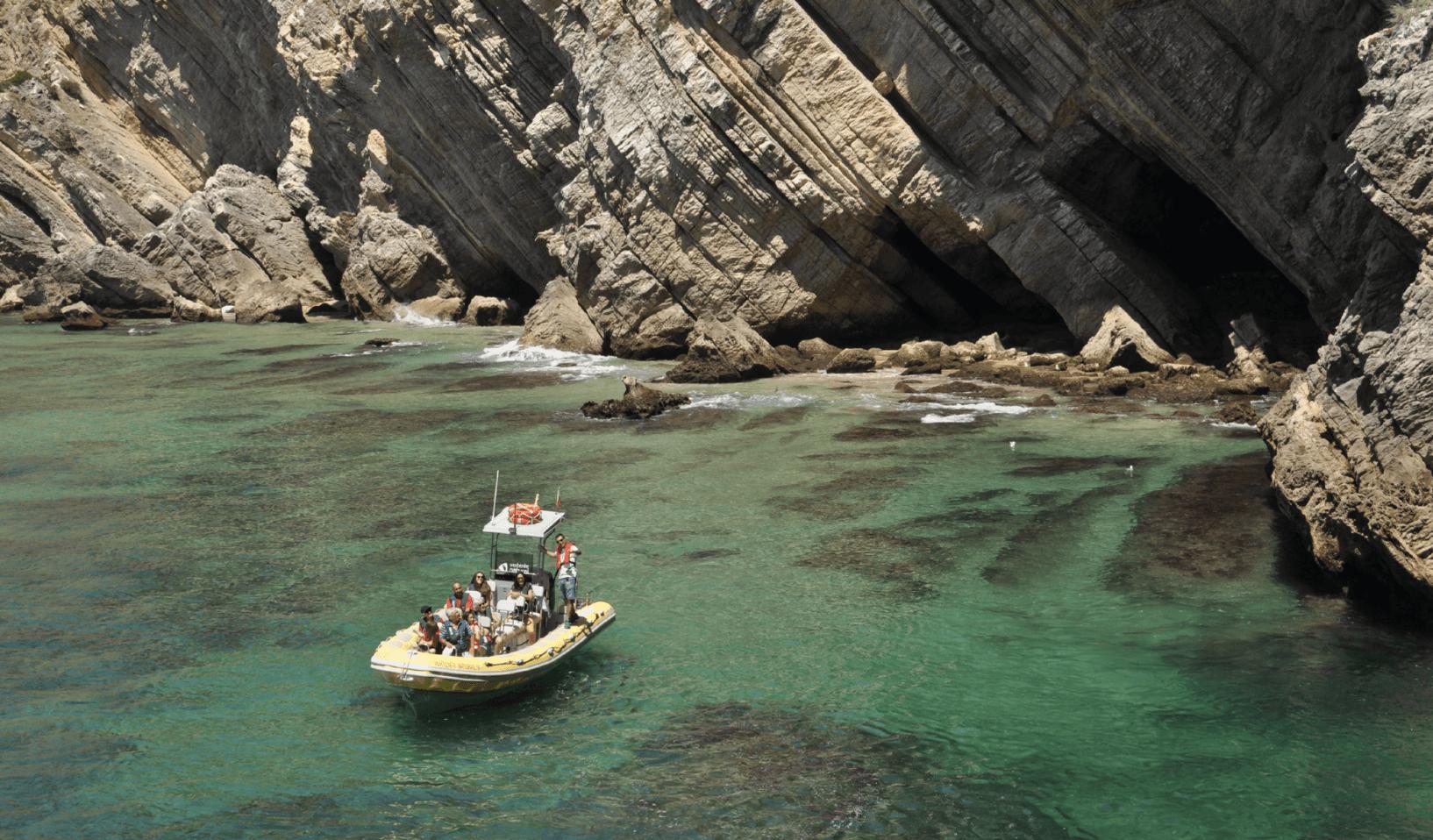 Tour en bateau : criques d'Arrábida