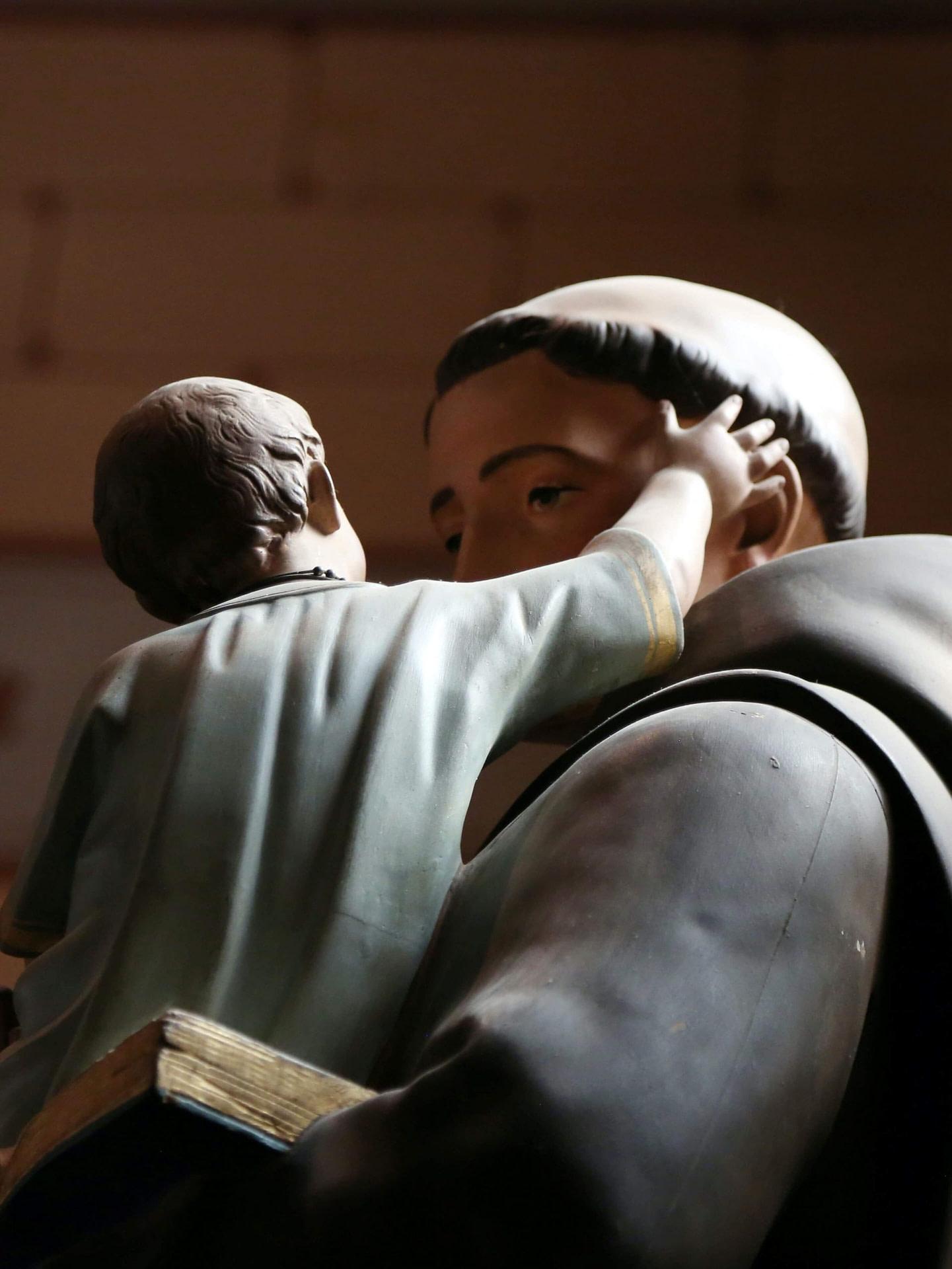 saint antoine, saint patron du portugal, fêté à lisbonne le 13 juin
