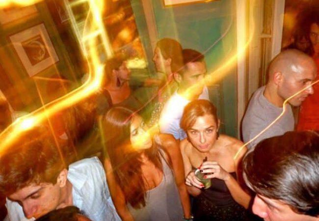 Clube da Esquina est un bar gay-friendly de Lisbonne situé dans le Bairro Alto